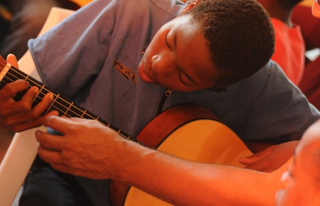 The Benefits of Online Guitar Lessons